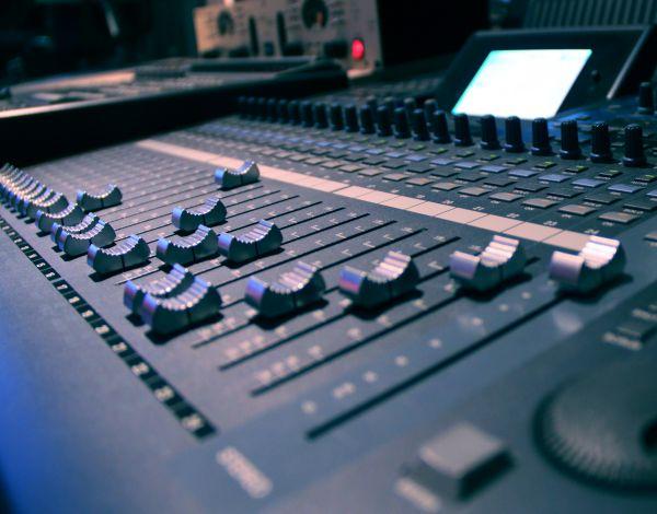 《梦在三彩家》三彩不产管理公司歌曲-企业歌曲制作案例